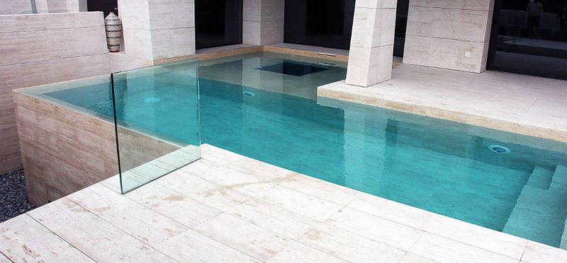 Elegancia y dise o piscinas de piedra natural santes - Piscinas de piedra ...